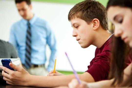 Smartphones in classroom