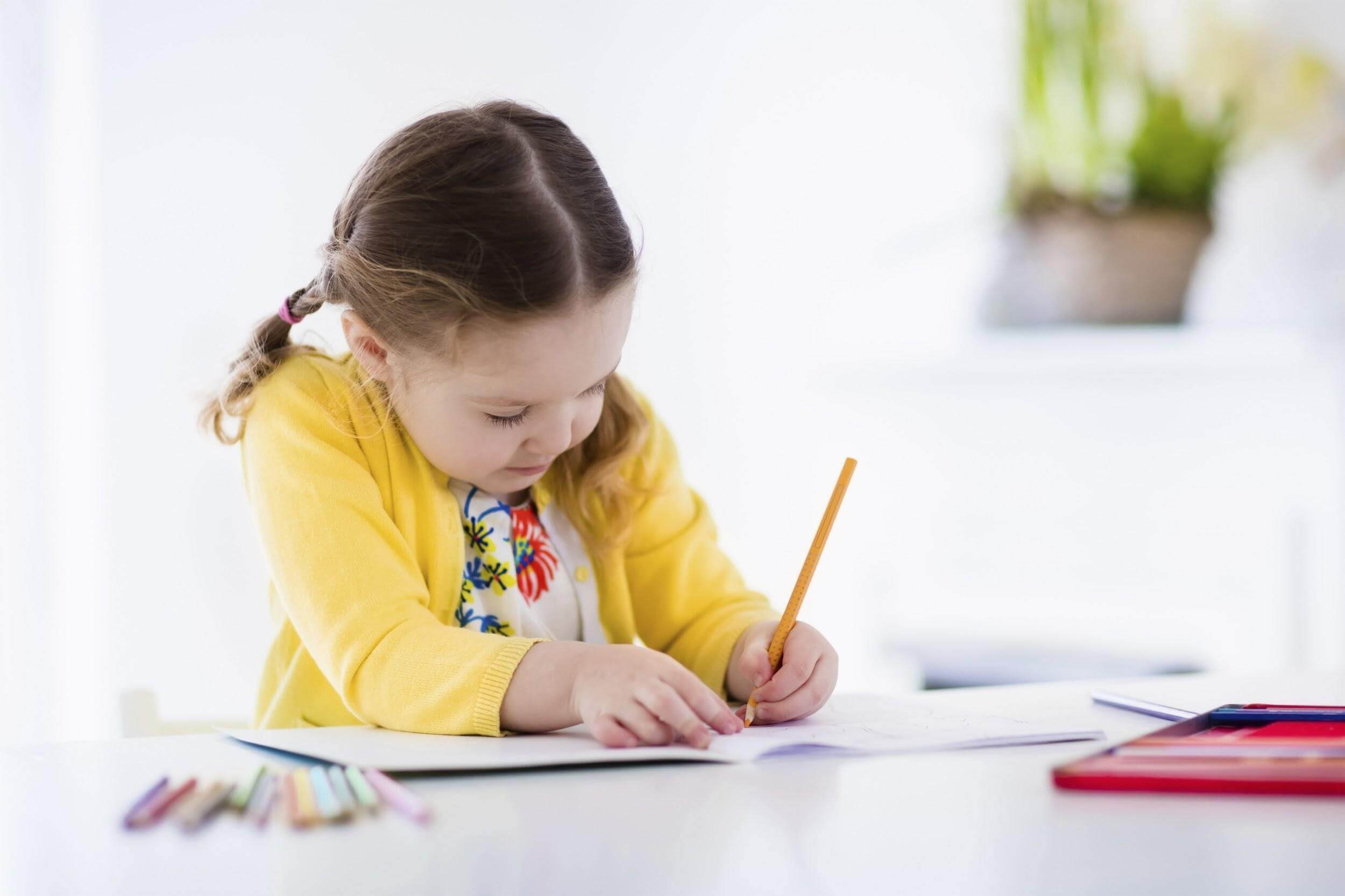 5 Fun Ways For Kids To Learn To Write Their Name - FamilyEducation
