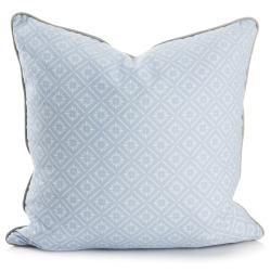 Pute lys blå m/hvitt mønster 50x50 cm Songvaar