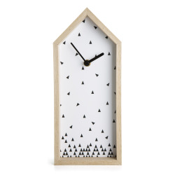 Klokke i hus hvit/sort H:30 cm