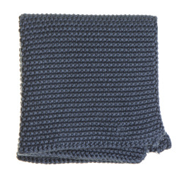 Strikkeklut i blå perlestrikk 25x25 cm
