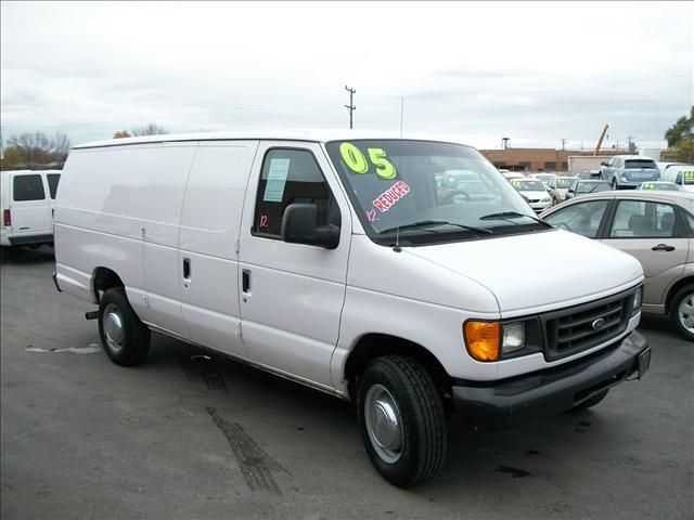 2005 Ford Econoline E250 Extended Cargo Van