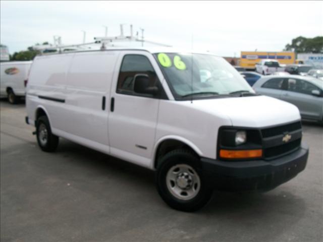 2006 Chevrolet Express G2500 Extended Cargo Van