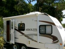 2011 Dutchman Aerolite Loaded with lots of Options