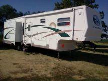 2004 Crossroads Paridise Pointe 5th Wheel 32 ft