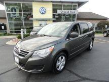 2010 Volkswagen Routan SE w/ Rse & Nav Certified!!!!!