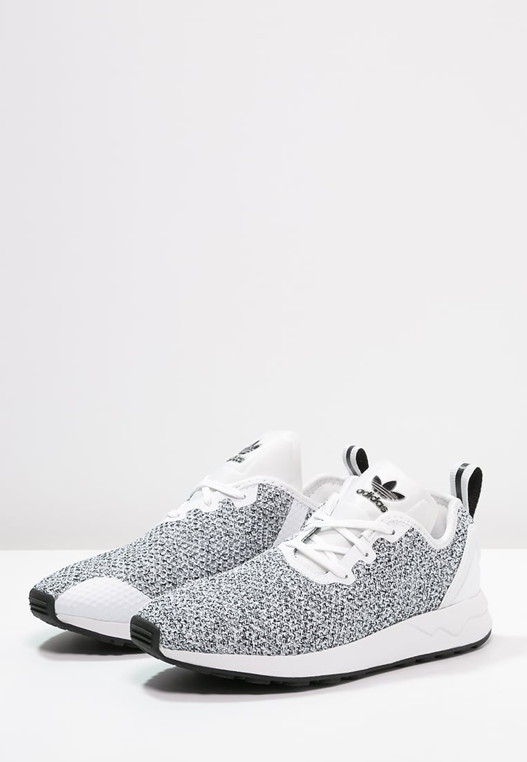 fdab4b81b ... coupon code for very goods adidas originals zx flux adv trainers core  black white zalando c632a