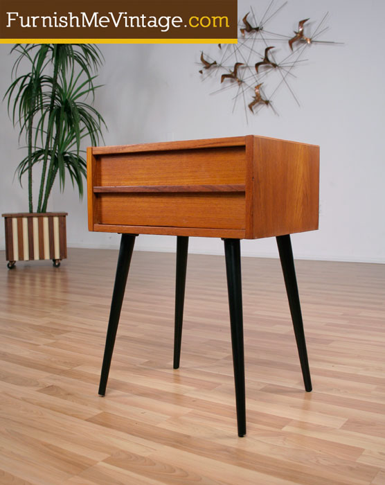 Charming Very Goods Mid Century Modern Teak Side Table Spindle Legs