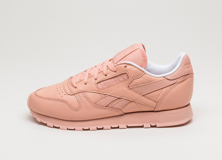 the best attitude 2623f 37d46 Very Goods   Reebok x Face Stockholm Classic Leather Spirit (Modesty    White   Energy) - Sneaker   asphaltgold