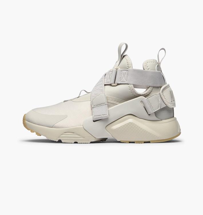 best loved f7681 0fd0f Very Goods  Nike Wmns Air Huarache City  Khaki  Sneakers  AH6787-001   Caliroots