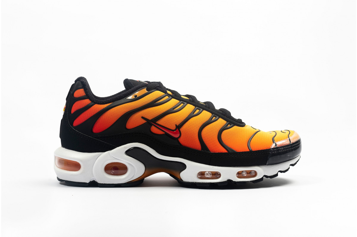 huge selection of da801 ae10f Very Goods  Nike Air Max Plus OG Noir,Orange  BQ4629-001  Foot District