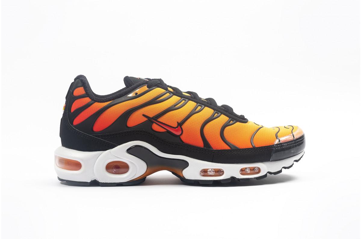 Very Goods Nike Air Max Plus Og Black Orange Bq4629 001 Foot