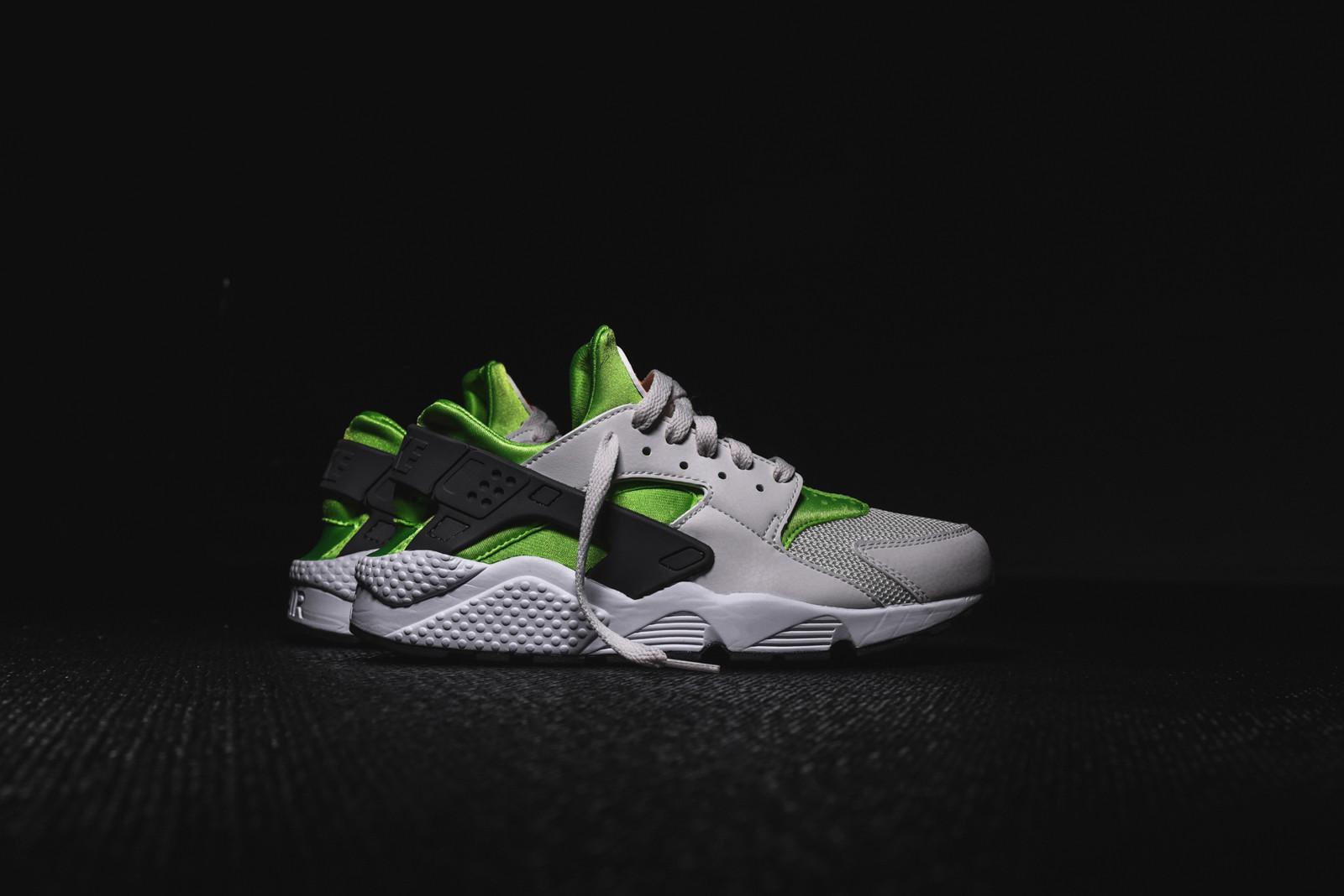 bfe3f7138dc Very Goods   Nike Air Huarache Run - Action Green   Kith NYC