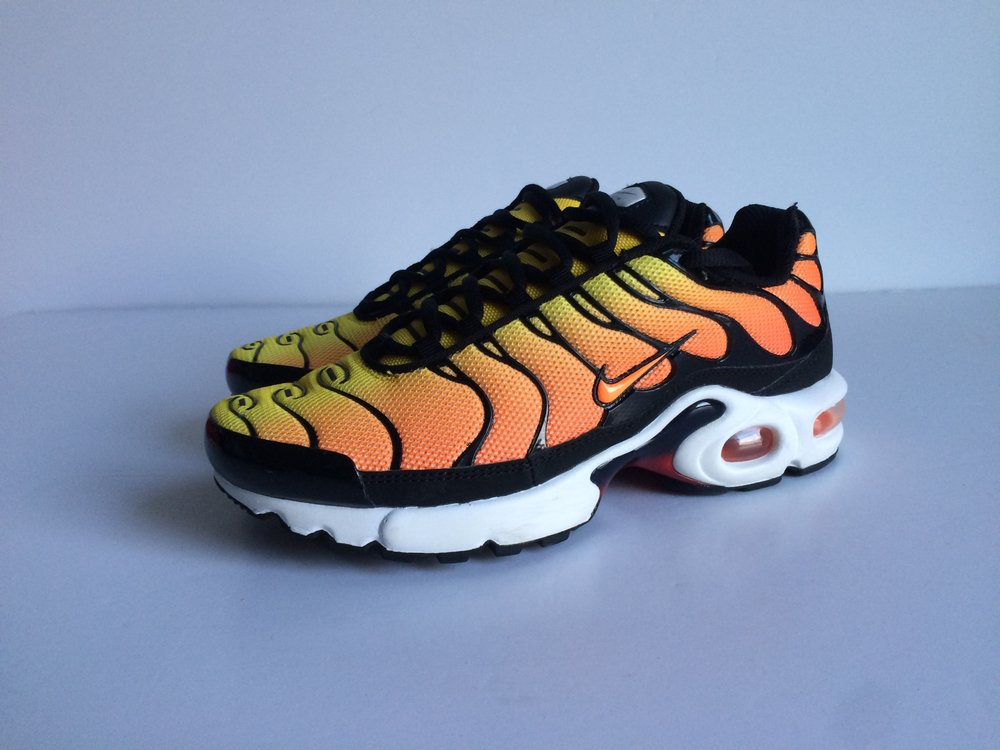 huge discount 95b90 239d0 ... Very Goods Nike Air Max TN Orange UK 5.5 EU 38.5 Moltobenestore  Nike  Free 5.5 Ivory Deconstruct Leather Running Shoes ...