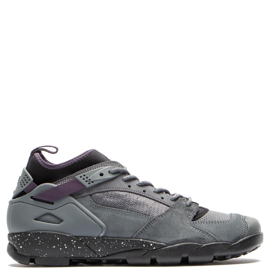 newest c937e dcee8 Very Goods   Nike ACG Air Revaderchi Flint Grey   Black – Deadstock.ca