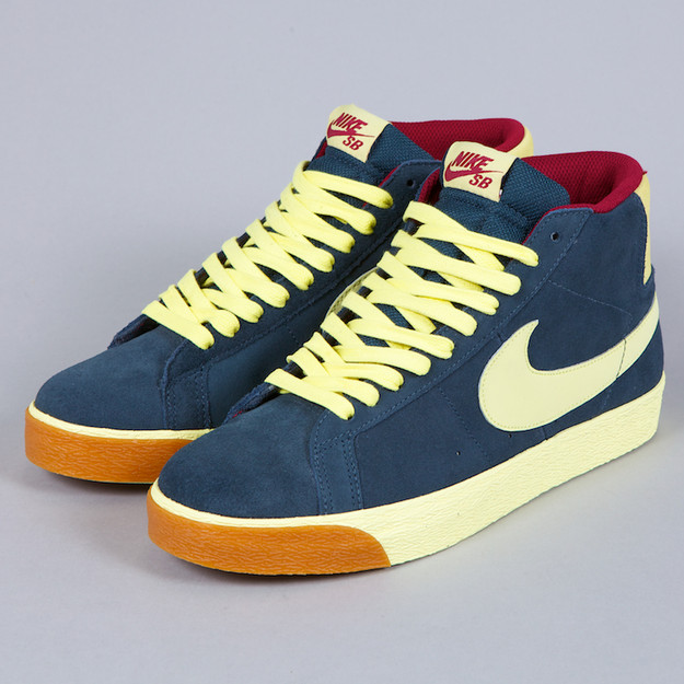 wholesale dealer 4ff97 c2125 Very Goods   NIKE SB BLAZER CLASSIC CHARCOAL   HALO   TEAM RED