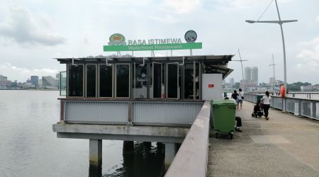 SG Only Restaurant on a Jetty!