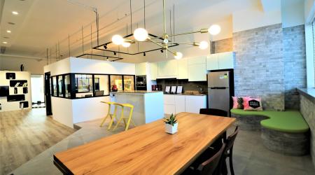 Beautiful Cosy Office/Showroom