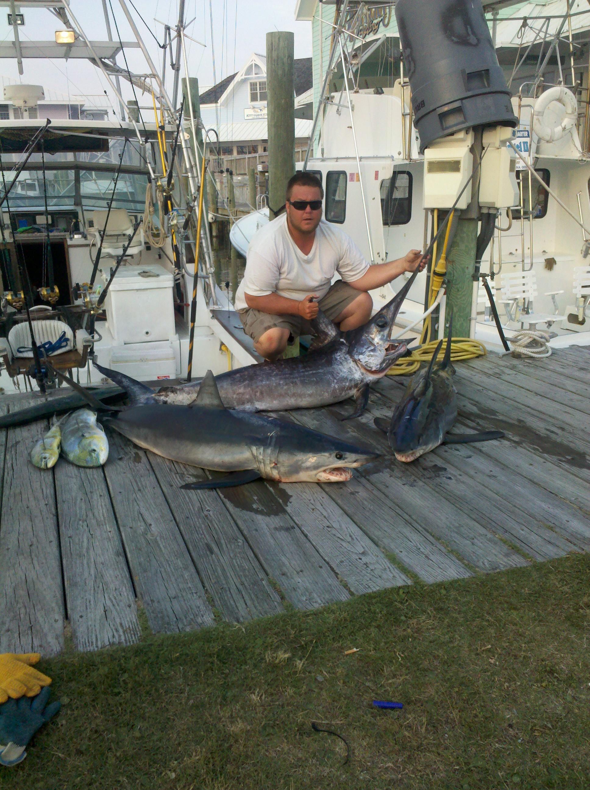 Foolish Pleasures Big Game Fishing: OC Shark Charters