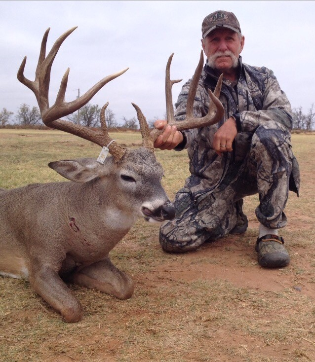 Red River Valley Outfitters: Whitetail deer  (rifle)
