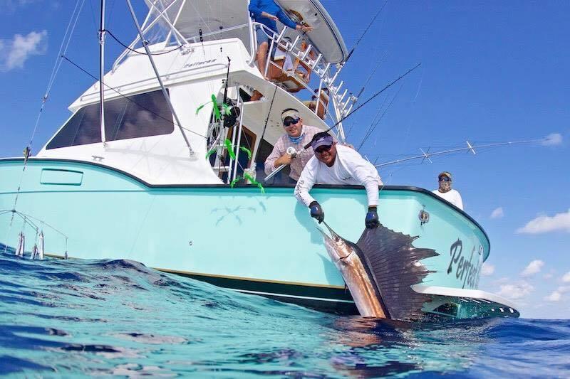 Cancun Boat Club: Premium Fishing Trip
