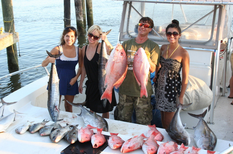 """Fish Commander Offshore Fishing Charters: BOTTOM DEEP SEA FISHING """"On the Prowl"""""""