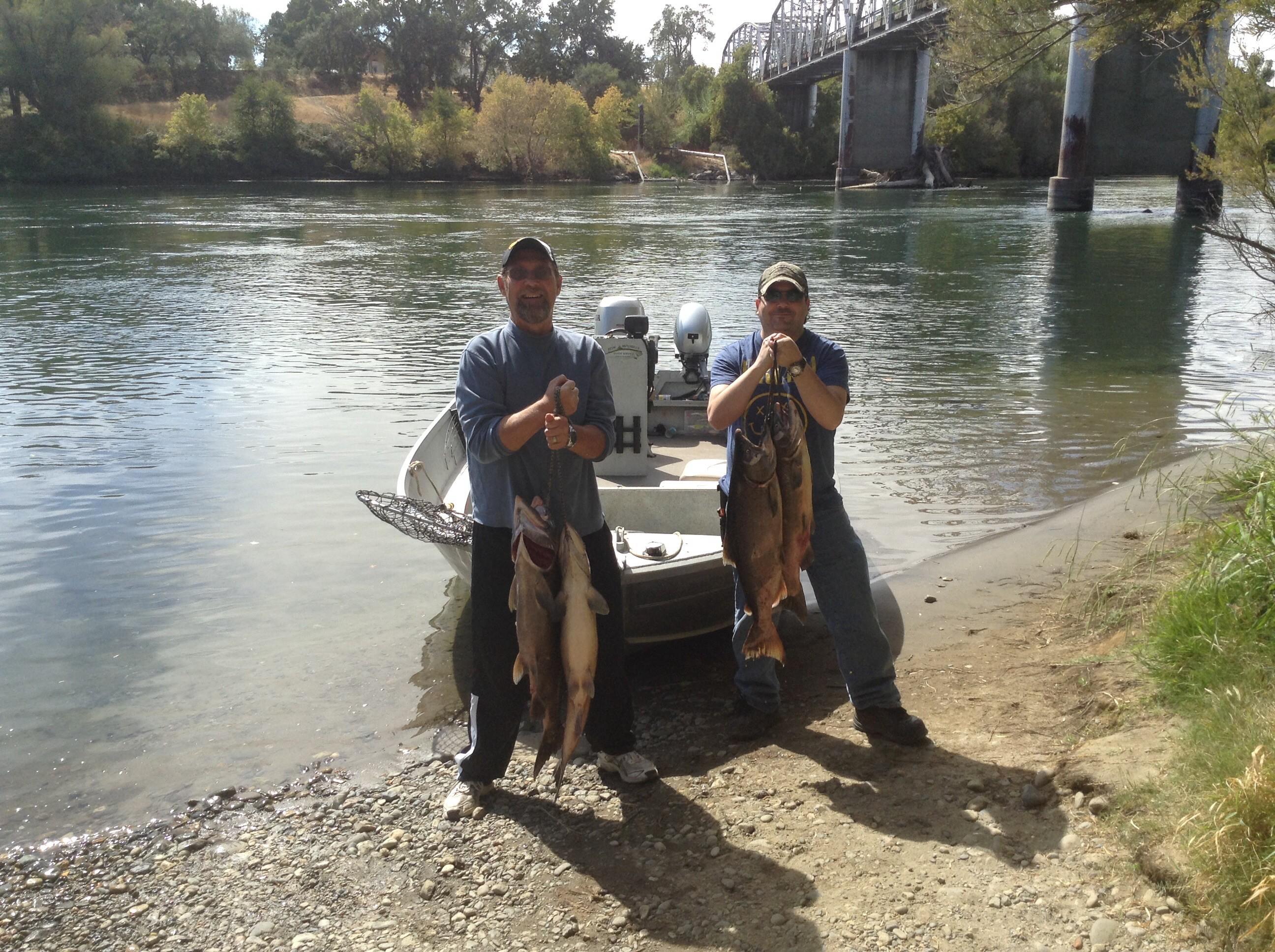 Seth Mitchells Guide Service: Salmon Fishing Trips