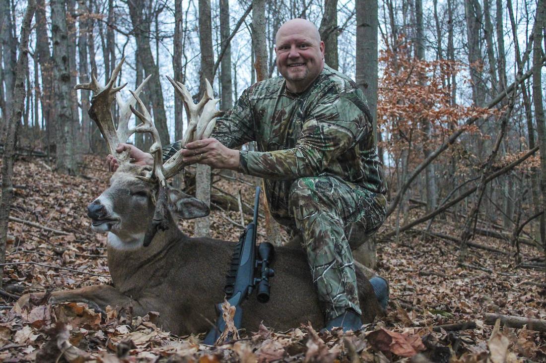 Whitetail Bluff: Whitetail Deer Hunt