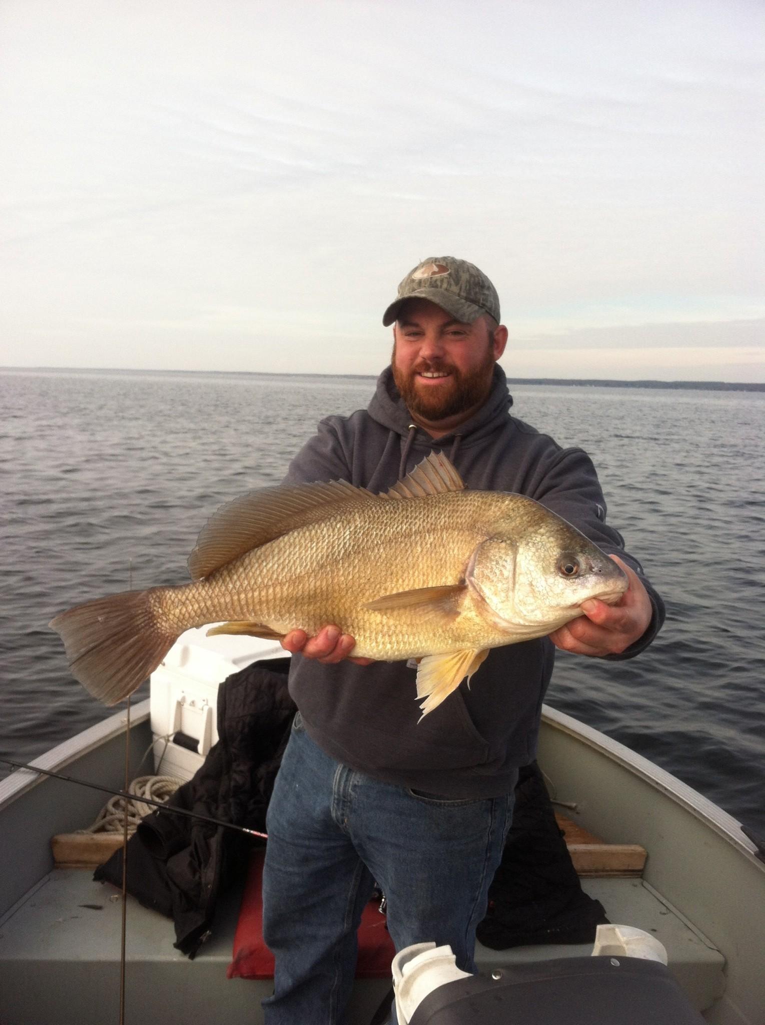 Lucky Buck Fishing: Lake Fishing Trip