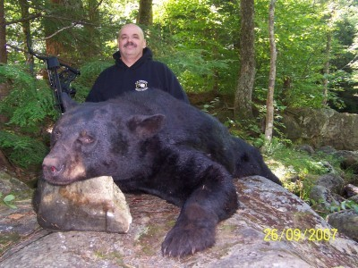 Gunsmoke Lodge: Black Bear Hunt over bait