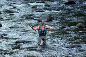 Hawkeyes Guide Service: Walk & Wade Salmon River Trip
