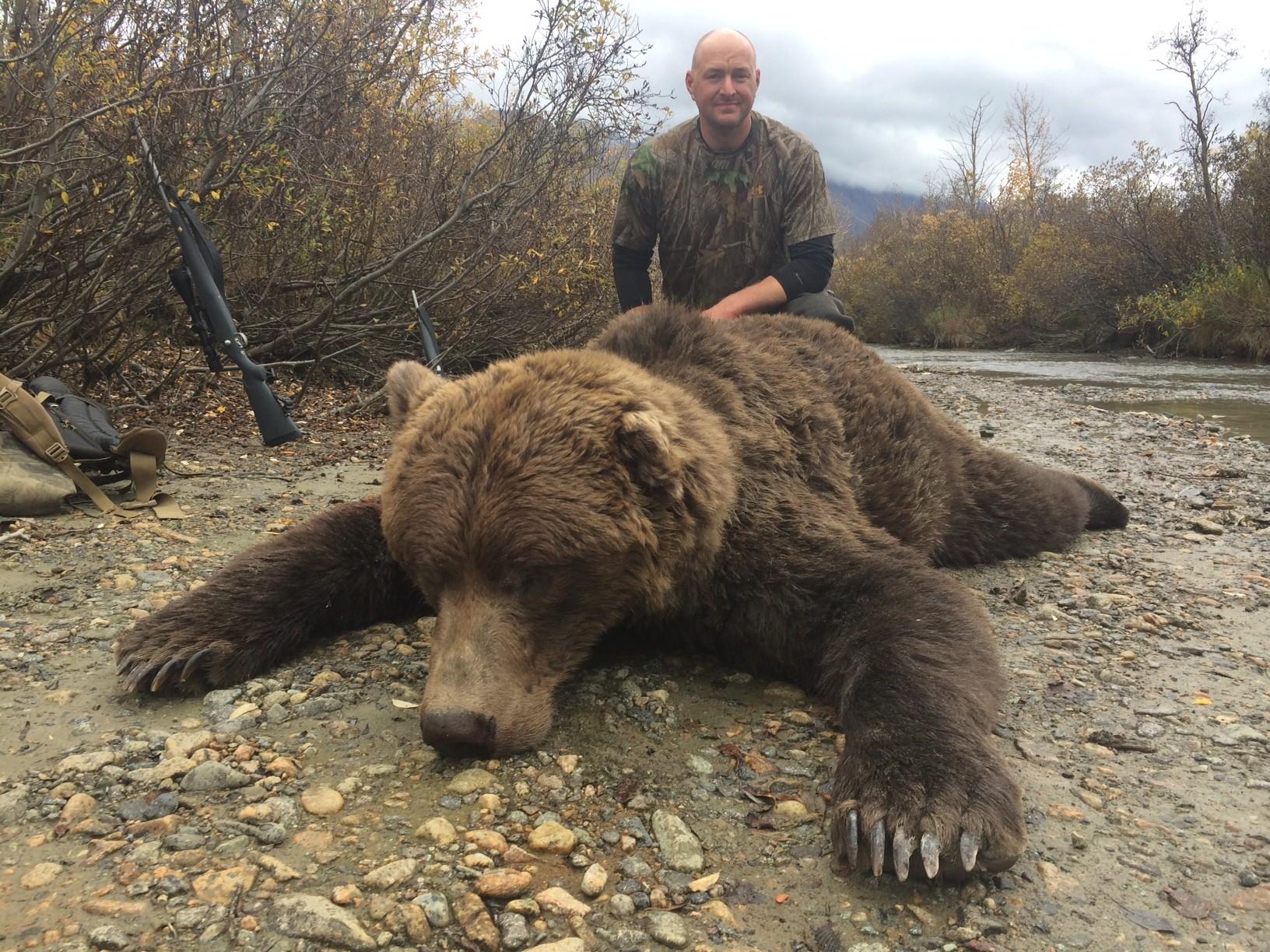 Frontier Adventures: Moose/Grizzly Combo Hunt