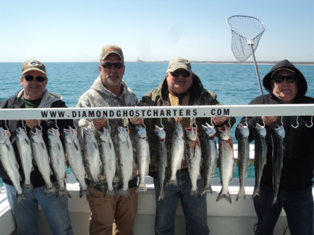 Diamond Ghost Charters: 4 Person Weekday Special Monday - Thursday