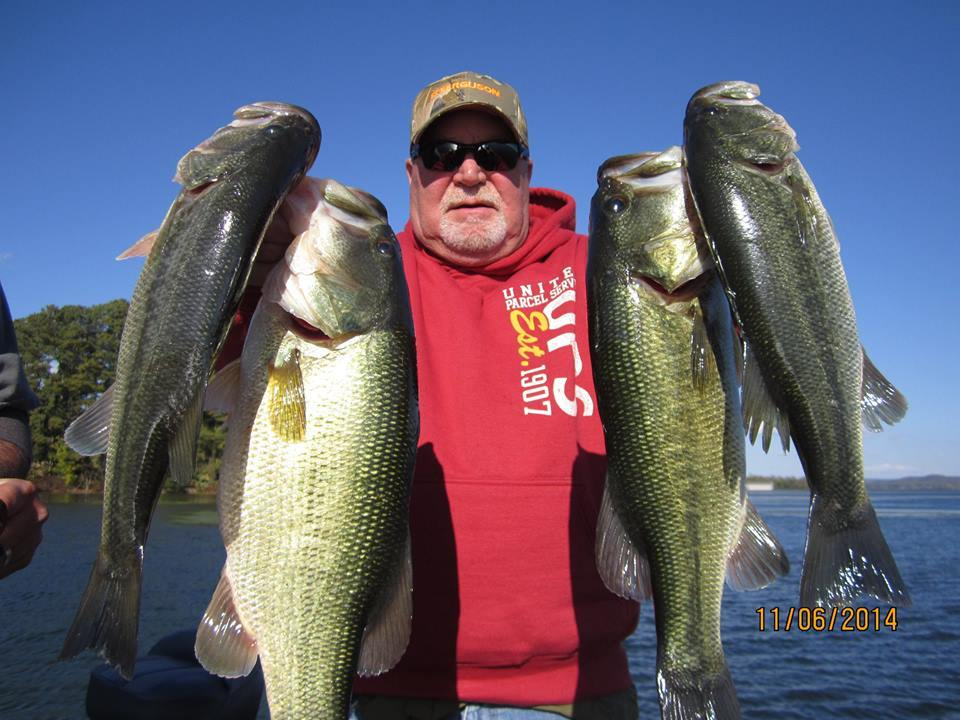 Fish Lake Guntersville Guide Service: Bass Fishing Guided Trip