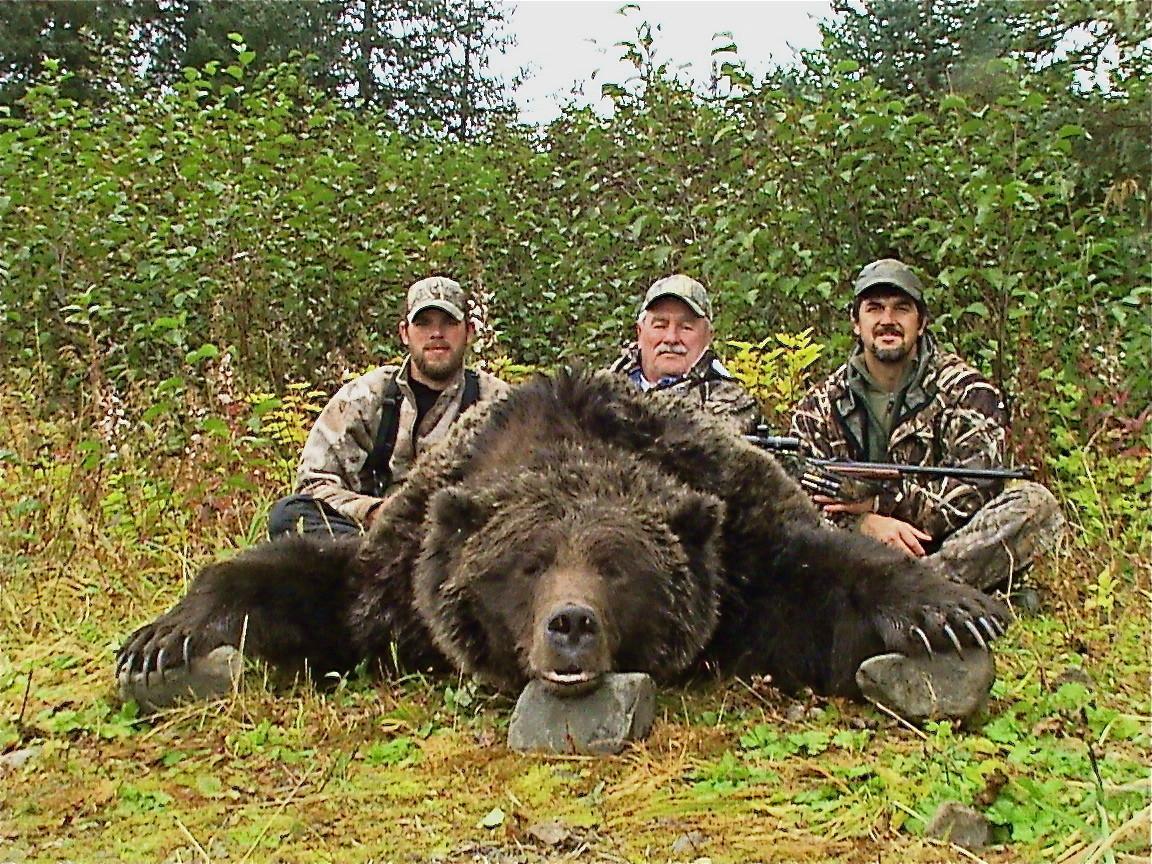 Barela's Alaskan Outfitters: Brown Bear Hunt