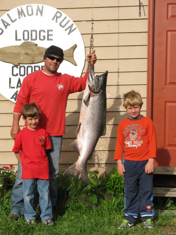 Salmon Run Lodge: Full Day Guided Fishing Charters