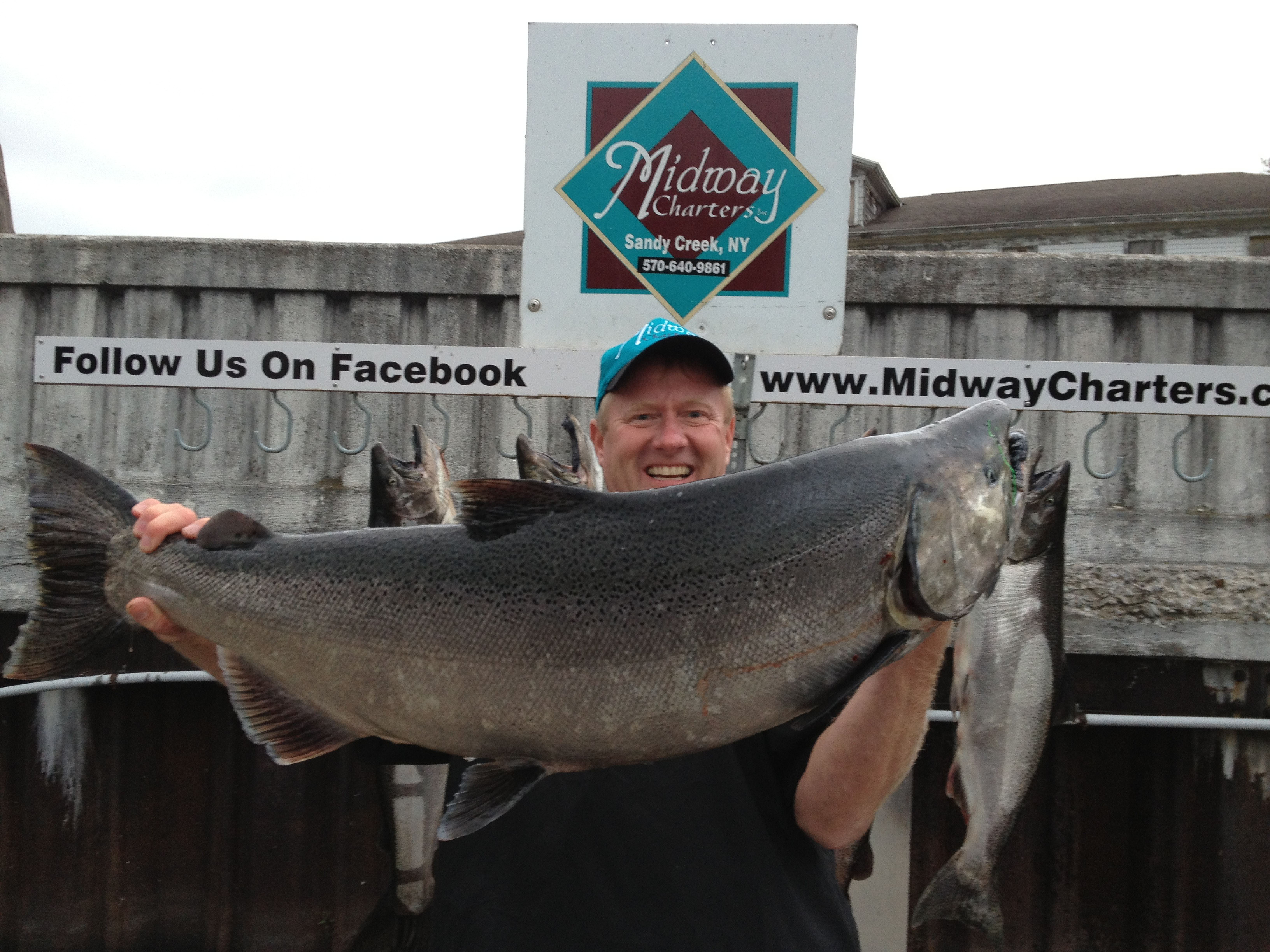 Midway Charters: 8 hr fishing trip