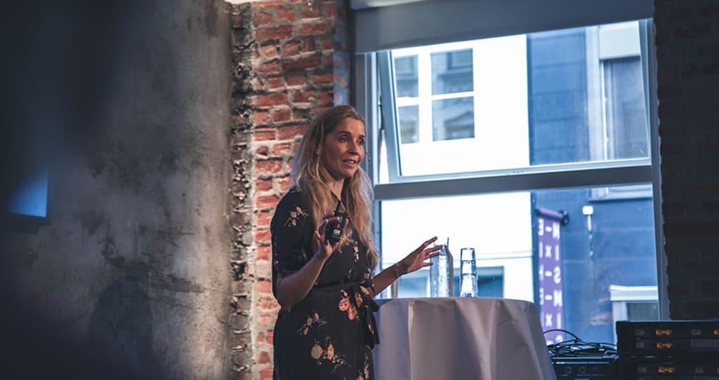 Anette Hjertø, investering og kvinner