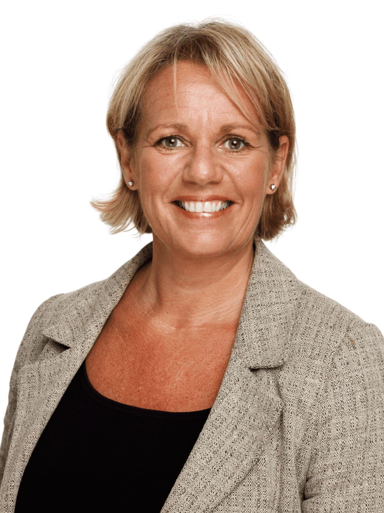 VERDSETTER KOMPETANSE: Annette Etholm er fagansvarlig fordel i Finansforbundet, og deler hvert år ut studiestipend til medlemmer i fagforeningen. I år er potten på fem millioner kroner. I tillegg kan du søke på gratis studieplass.