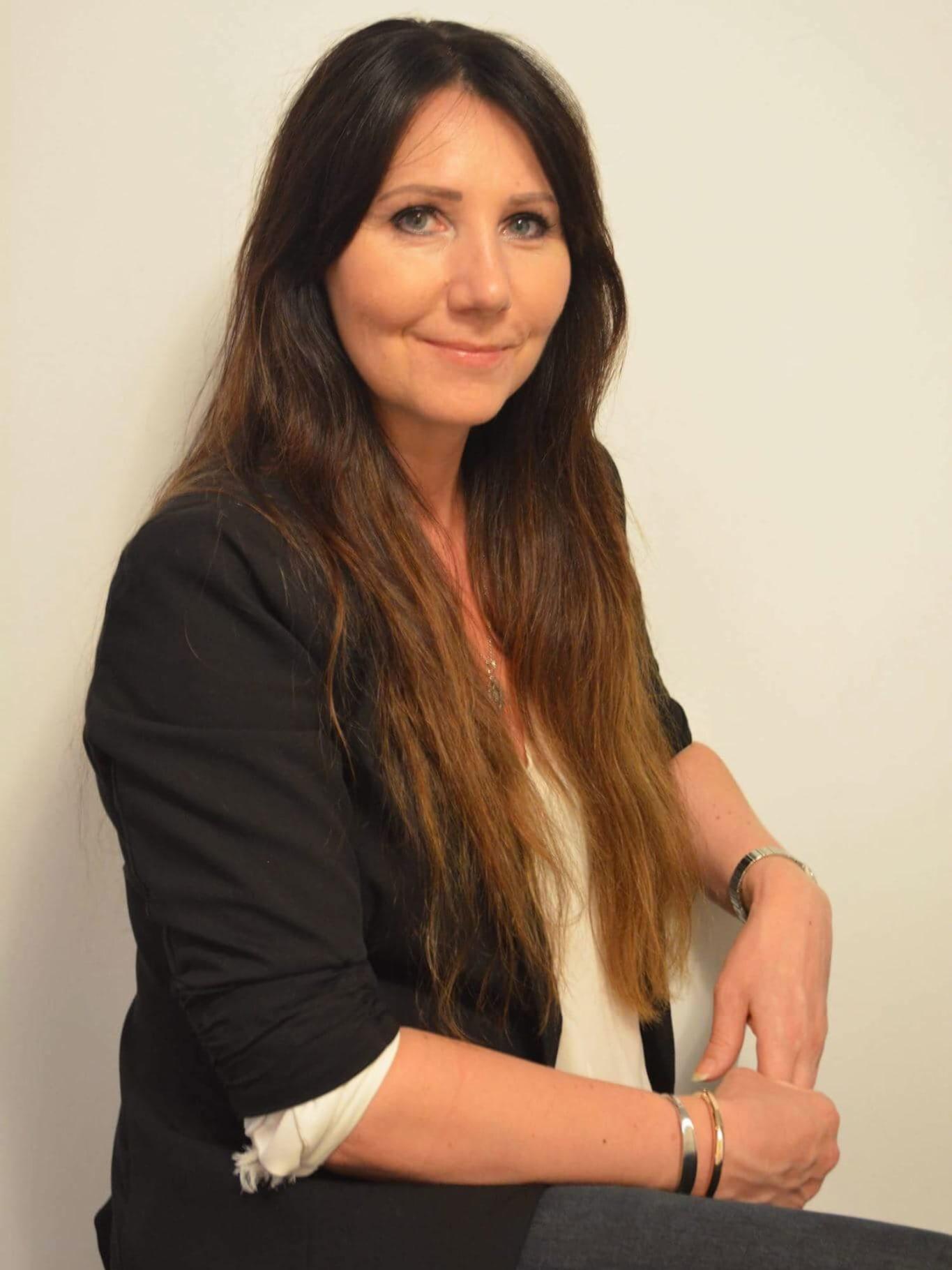 LANG LEDERERFARING: June Kristin Lima Bru har over 25 års ledererfaring på topp- og mellomnivå fra ulike bransjer, som salg og service, olje, finans, eiendom og byggebransjen. I dag er hun banksjef for privatmarkedet i Jæren Sparebank.
