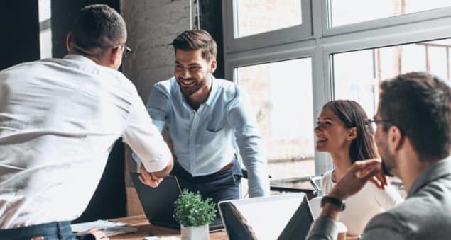 Møter med 4-6 deltakere er de beste, sier både folk og forskning.