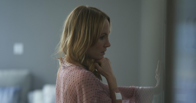 Amazon Prime Video esittää Suomessa psykologisen draamasarjan Angela Black - Joanne Froggatt tähdittää