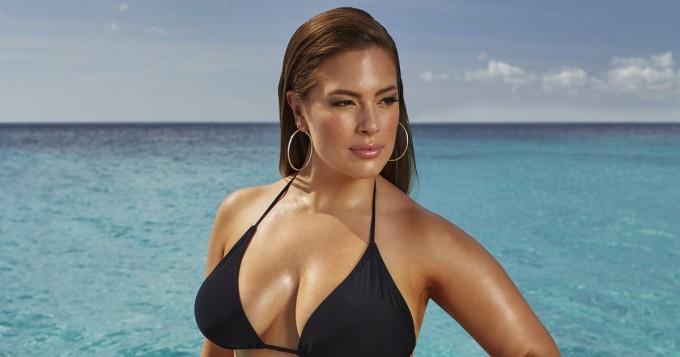 Kurvikas Ashley Graham julkaisi kuuman bikinikuvan
