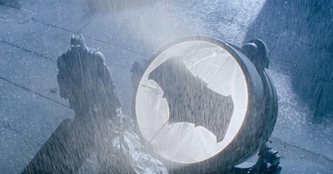 Uusi Batman hakusessa: ehdolla ovat ainakin Robert Pattinson ja Nicholas Hoult