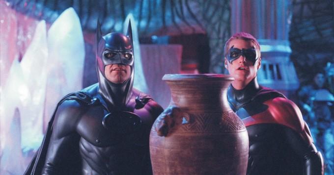 Arnold Schwarzenegger ja Uma Thurman pahiksina leffassa Batman & Robin - Sub tänään