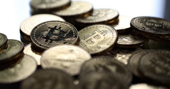 Enemmän kuin joka kymmenes suomalainen harkitsee sijoittamista bitcoiniin - monet pitävät liian epämääräisenä