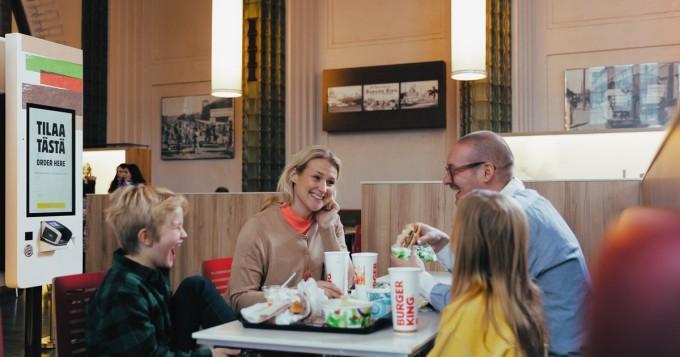 Restel avaa tänään Suomessa 54 ravintolaa: Burger King, Taco Bell, Rax Pizzabuffet...