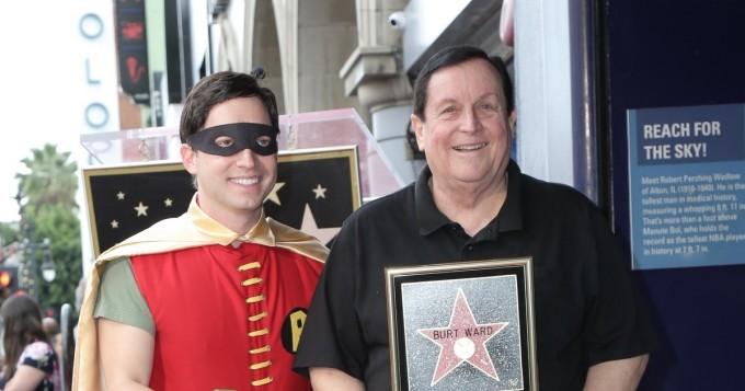 Tältä 60-luvun Batman-sarjan Robin eli näyttelijä Burt Ward näyttää nyt - sai vihdoin Hollywood Walk of Fame -tähtensä