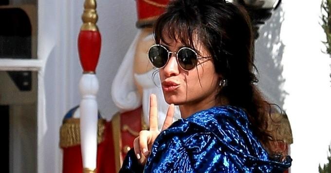 Mikä takapuoli! Paparazzit yllättivät Senorita-hittibiisin Camila Cabellon