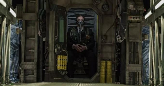 Tältä näyttää scifi-trilleri Captive State - UFO-leffan pääosissa John Goodman, Machine Gun Kelly ja Vera Farmiga